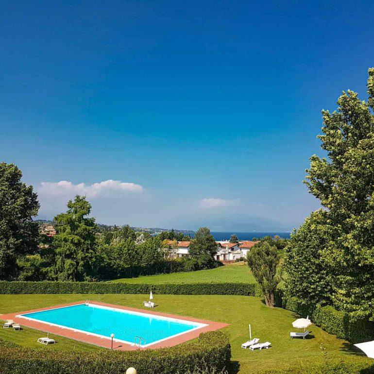 Italia Living Villa Garda swimming pool